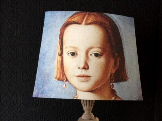 Abat jour pans coupés portrait jeune fille XVIe