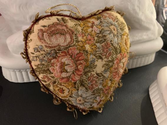 """Coeur précieux """"tapisserie ancienne fil or"""""""