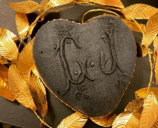 """Coeur précieux monogrammes """"CJ"""" gris encre"""
